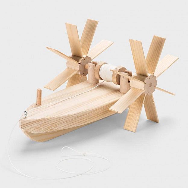 Gegenstromboot mit Schaufelradantrieb