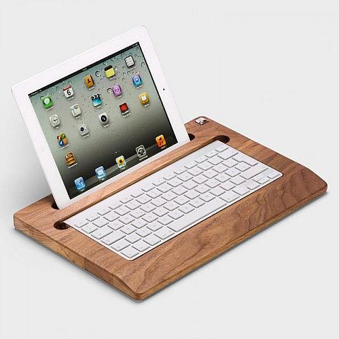 halterung f r ipad und tastatur nussbaumholz. Black Bedroom Furniture Sets. Home Design Ideas